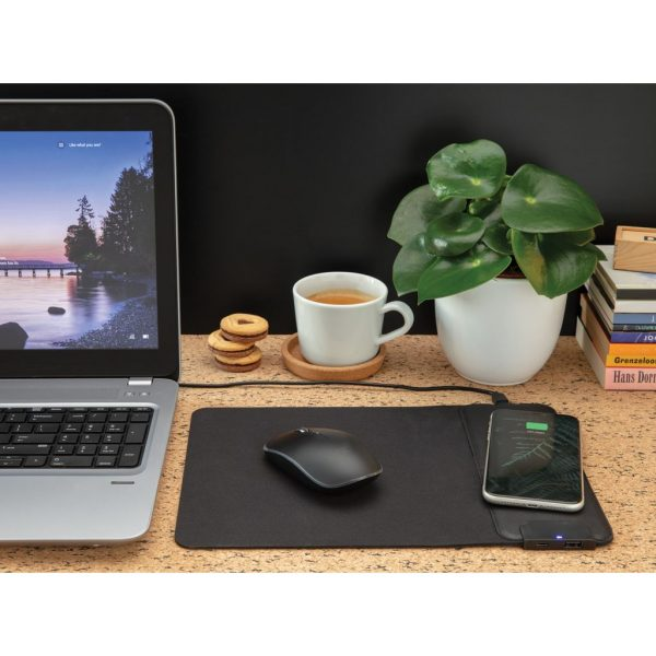 Mousepad with 15W wireless charging and USB ports P308.211