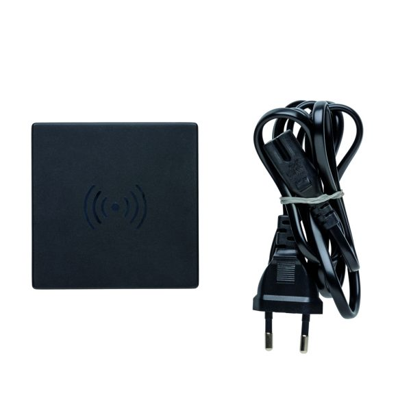 USB and 10W wireless charger P308.601