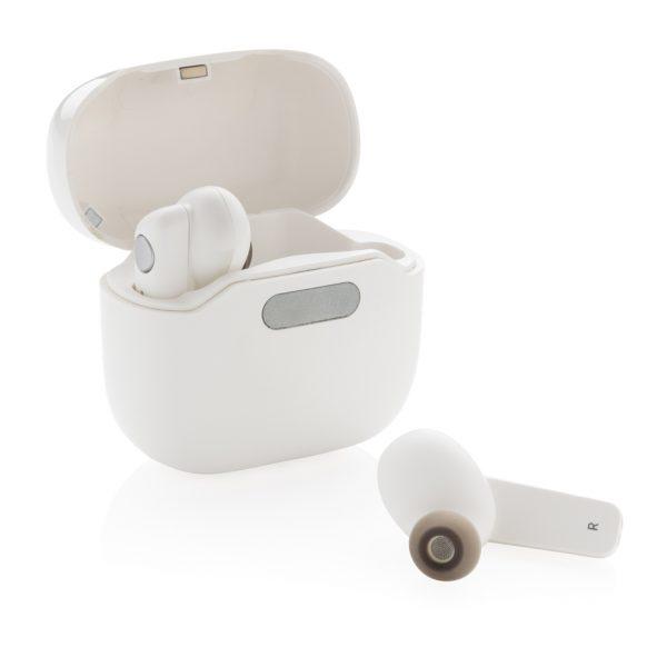 TWS earbuds in UV-C sterilising charging case P329.073